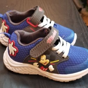 NWOT Mickey Mouse Tennis Shoes